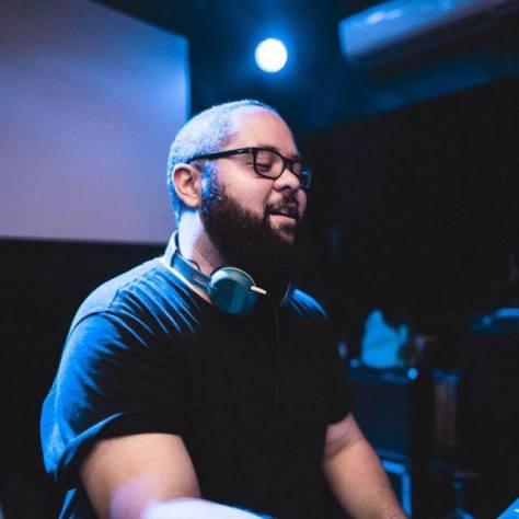 DJ Thiago Burgos