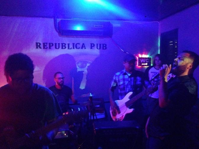 Resenha: menores atos, Incendiall, Estado Livre e Divine Glory @República Pub