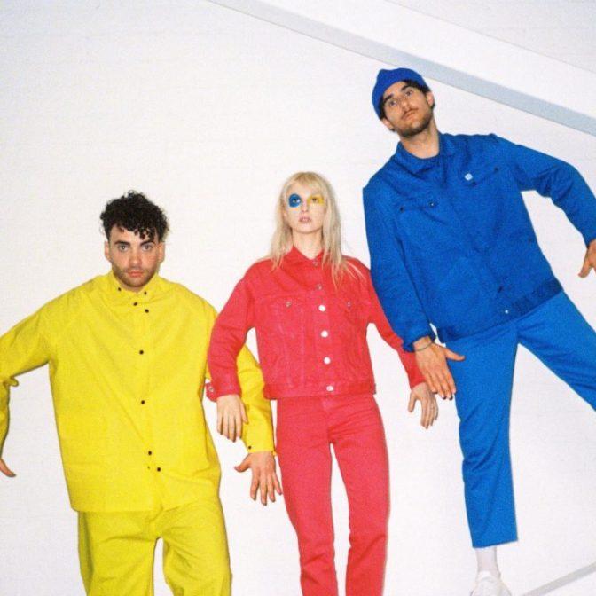 A ESPERA ACABOU! Paramore lança Hard Times, primeiro single da quinta era