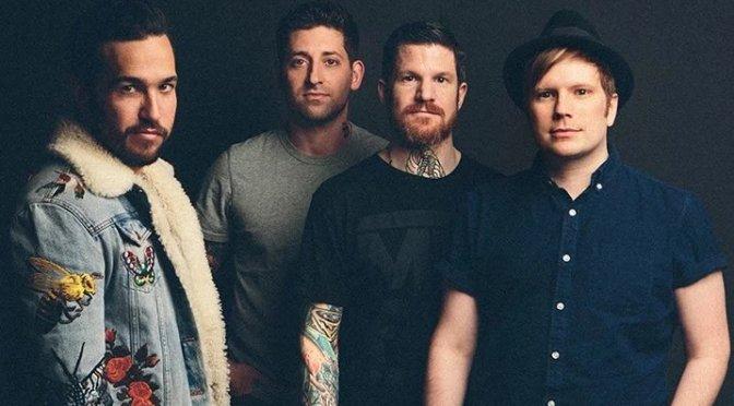 Fall Out Boy revela novo clipe para Champion