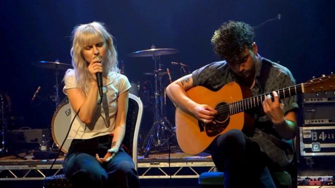 """Paramore toca pela primeira vez ao vivo sua nova música """"26"""""""